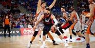 Нападающий сборной Грузии по баскетболу и клуба Баскония Торнике Шенгелия