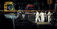 Полицейские и следователи на месте стрельбы в Нью-Йорке
