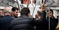 Избранный мэр Тбилиси Каха Каладзе в метро