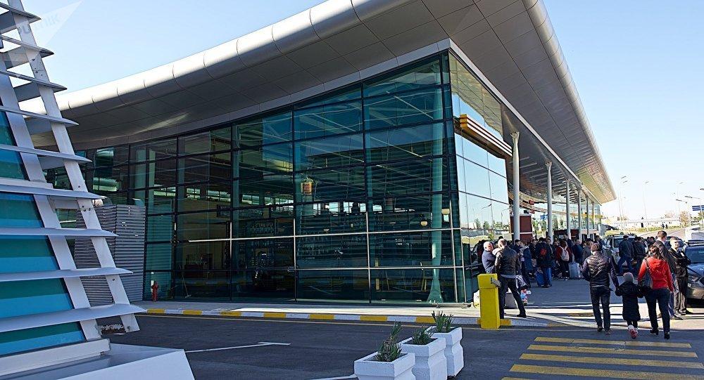 Тбилисский аэропорт - терминал прибытия