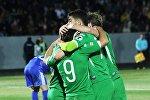 Футболисты Торпедо Кутаиси радуются победе над клубом Самтредиа