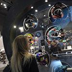 Шлемы на выставке Milano Moto Show 2017 года. Девизом мотосалона стал лозунг: Для байкера, живущего внутри вас