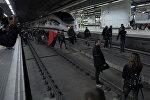 В Барселоне протестующие заблокировали железнодорожную станцию