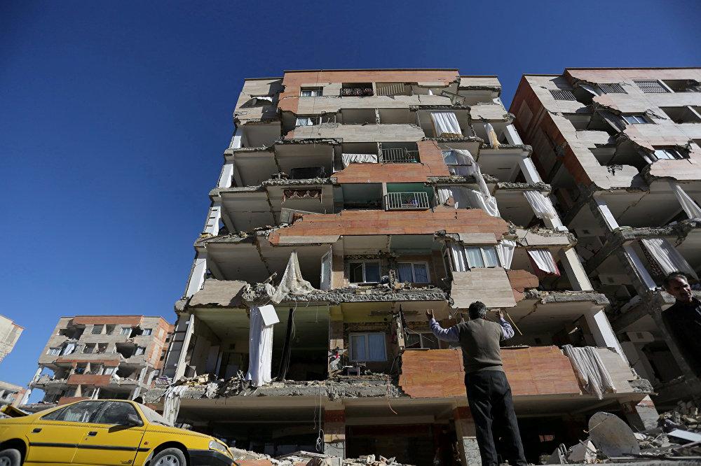 По данным местных телеканалов, после мощного землетрясения были зафиксированы 152 афтершока