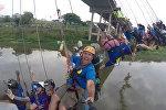 массовый прыжок с моста