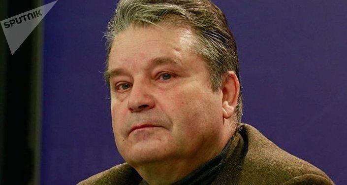 Борис Шмелев
