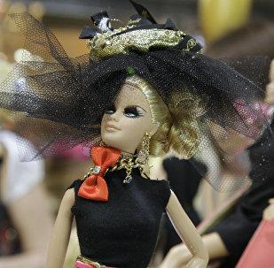 Выставка куклы Barbie в Центре современного искусства Винзавод