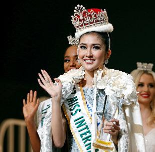 В японской столице прошел финал международного конкурса красоты Miss International. Победительницей конкурса была объявлена «Мисс Индонезия» 21-летняя Кевин Лилиана. Она же была удостоена титула Miss Best Dresser