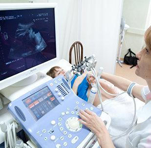Ультразвуковое исследование беременной женщины, фото из архива