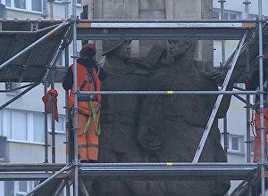 Демонтаж памятника благодарности Красной армии начался в Щецине