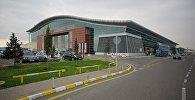 Тбилисский международный аэропорт - здание терминала отлета пассажиров