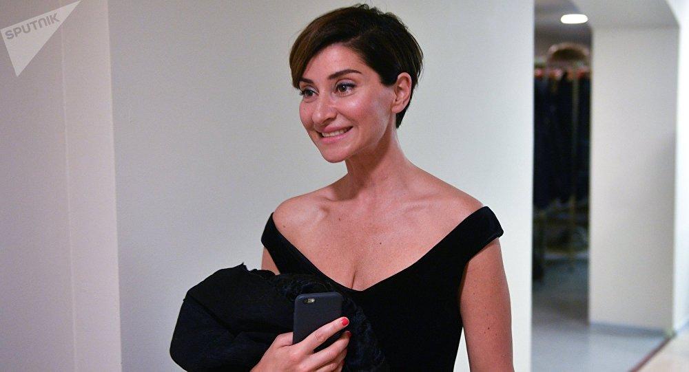 Ольга Бузова будет ведущей женского аналога «Прожекторперисхилтон» на«Первом канале»