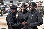 Участники команды Зимбабве перед началом репетиции международного этапа конкурса Танковый биатлон Армейских международных игр