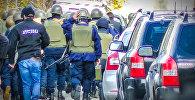 Спецназ в Тбилиси готовится к штурму здания, где укрылись террористы