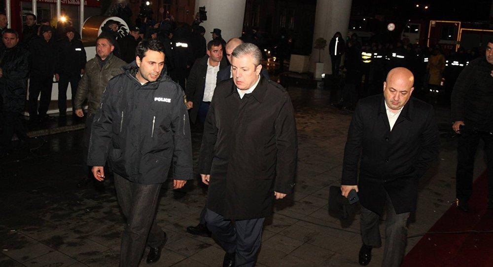 Премьер Грузии Георгий Квирикашвили прибыл в Батуми на место пожара