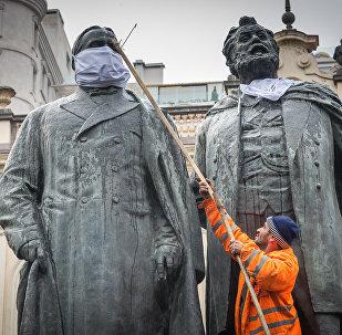 Памятник Илье Чавчавадзе и Акакию Церетели