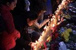 Не убивай: траурная акция у 51 школы в память об убитых подростках