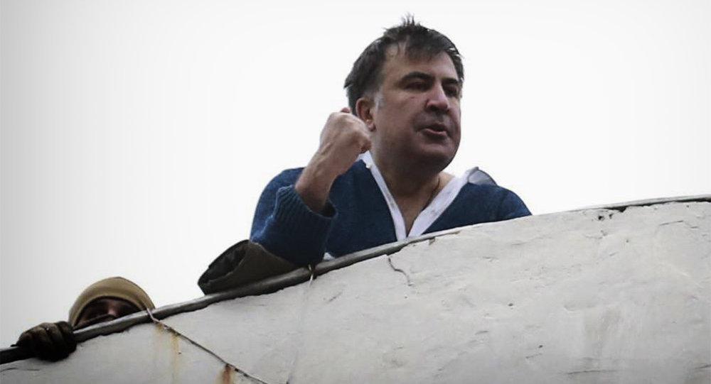 Саакашвили слег спростудой после «прогулки» покрыше