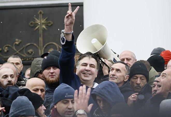 Михаил Саакашвили в Киеве после освобождения своими сторонниками из рук полиции