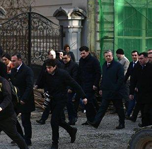 Каха Каладзе и Георгий Квирикашвили на площади Орбелиани