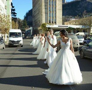 Свадебные платья в подарок
