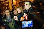 Экс-президент Грузии, бывший губернатор Одесской области Михаил Саакашвили неподалеку от площади Независимости в Киеве