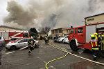 Спасательные службы на месте взрыва газа в Баумгартене, Австрия