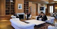 Госминистр по вопросам евроинтеграции Виктор Долидзе, президент Георгий Маргвелашвили и эксминистр окружающей среды Элгуджа Хокришвили