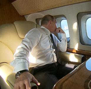 Самолет Путина сопровождали истребители ВКС РФ