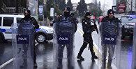 Турецкая полиция в оцеплении на месте убийства в Стамбуле