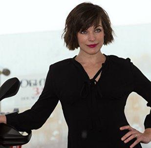 Актриса Милла Йовович во время фотоколла