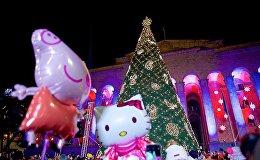 Церемония зажжения огней на главной новогодней елке Грузии в столице страны на проспекте Руставели