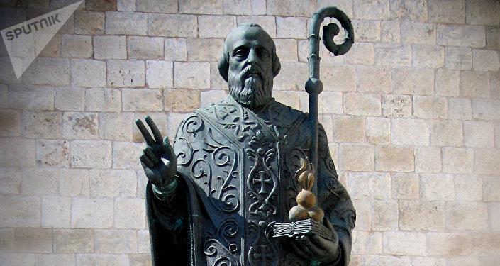 Памятник Святому Николаю Чудотворцу в Бари