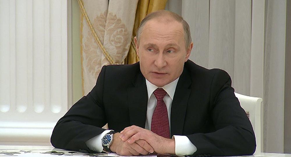 Путин: РФбудет идальше помогать Сирии взащите суверенитета страны