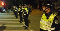 Китайские полицейские в оцеплении на месте взрыва