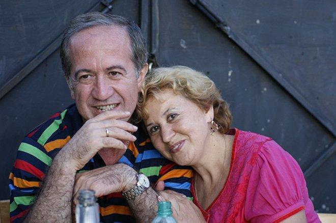 მერაბ შარია მეუღლესთან ერთად