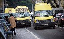 Маршрутные такси на улицах грузинской столицы
