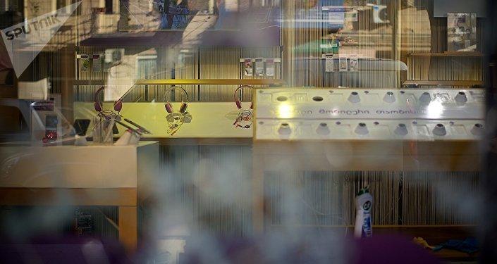 მობილური ტელეფონების მოპარვის მცდელობა თბილისში Geocell-ის მაღაზიაში