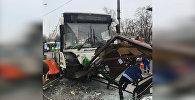 Автобус сбил остановку в Москве возле метро Сходненская