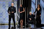 Мартин МакДонах получает премию Золотой глобус за лучший драматический фильм 2017 года Три билборда на границе Эббинга, Миссури