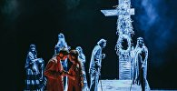 Сцена из спектакля Холстомер Грибоедовского театра