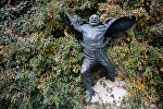 Памятник Сергею Параджанову в столице Грузии