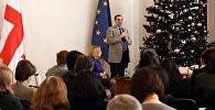 Министр образования и науки Грузии Михаил Чхенкели на встрече с учителями