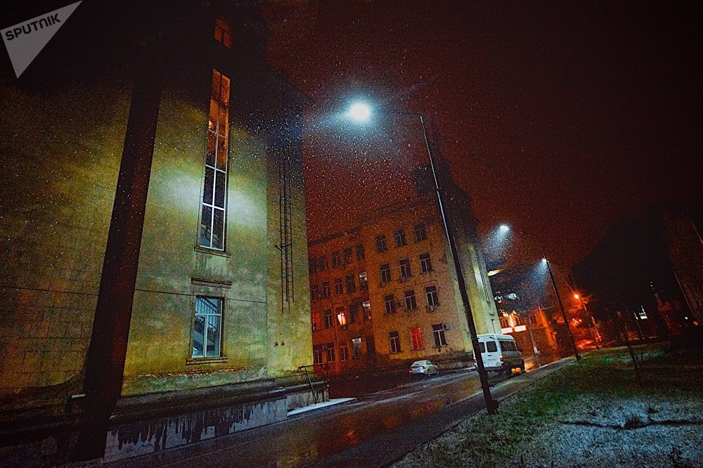 Многие жители Рустави за короткое время, пока шел снег, успели опубликовать десятки фотографий в социальных сетях