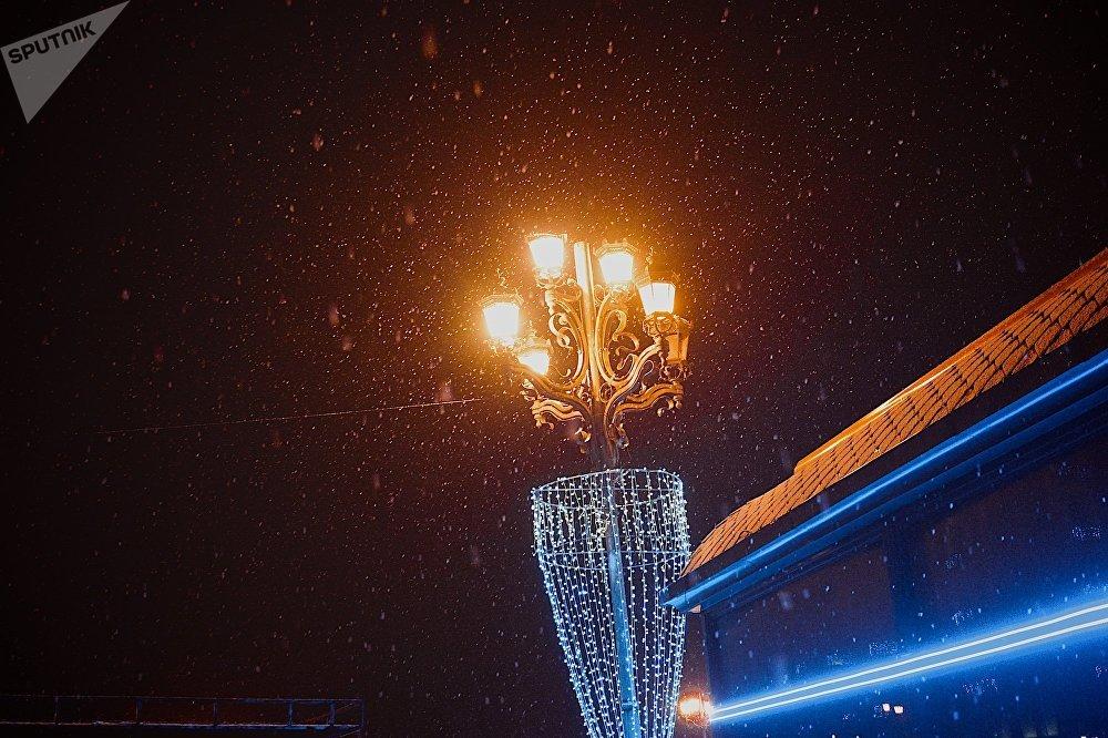 Первый снег в Рустави шел всего около двух часов