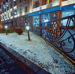 Первый снег в городе Рустави