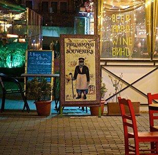 Рестораны грузинской кухни на улице Ираклия Второго в историческом центре Тбилиси