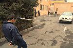 Армянская спортсменка тянет автомобиль с помощью волос