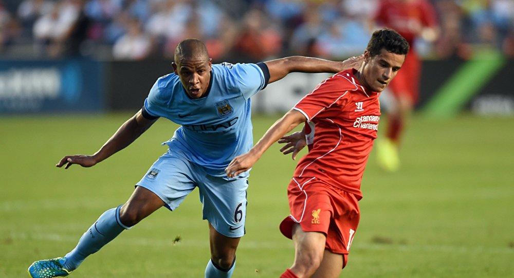 Матч между футбольными клубами Ливерпуль и Манчестер Сити