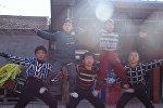Дети-акробаты в Китае